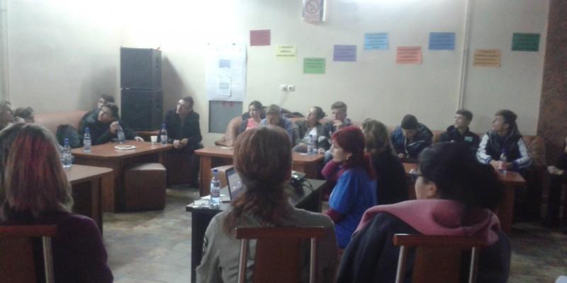 eveniment-consultare_tineretea4