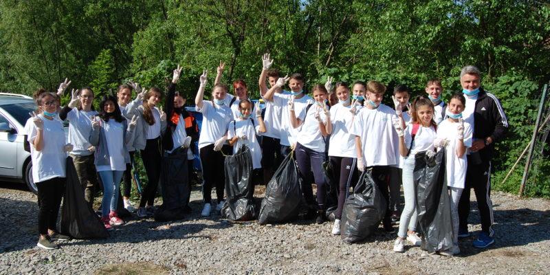 Eco-voluntari pentru comunitate Glodeni 1