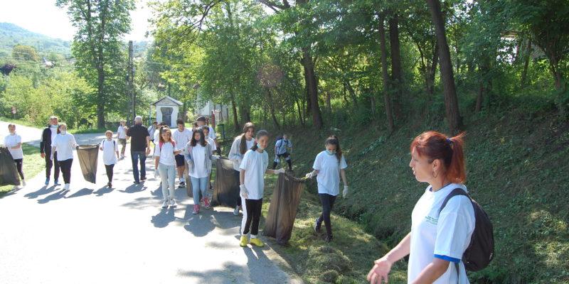 Eco-voluntari pentru comunitate Glodeni
