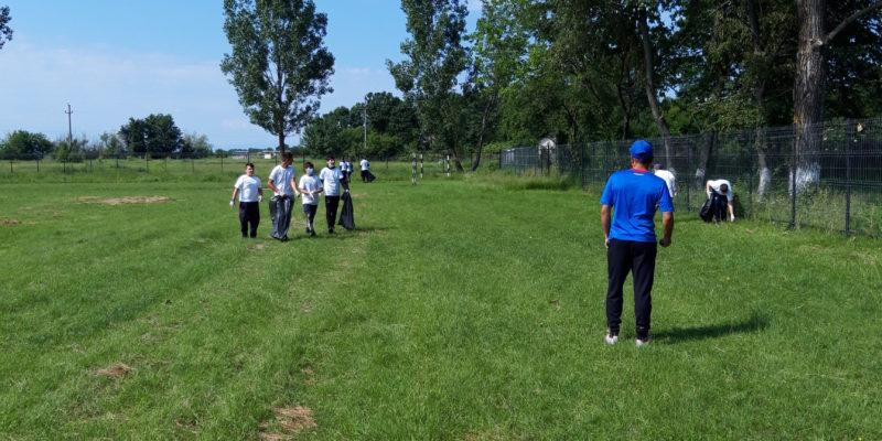 Eco voluntarii din Jugureni