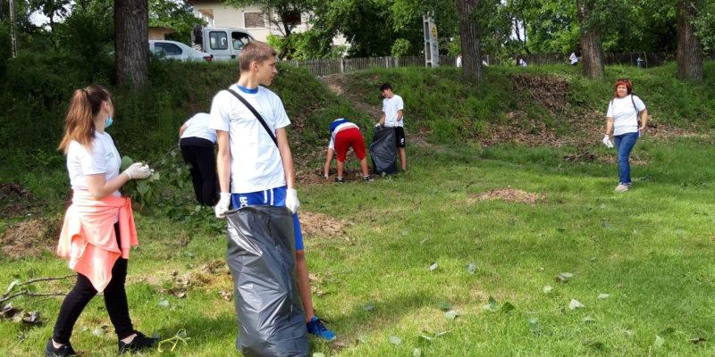 Eco voluntarii din Razvad 1